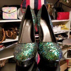 GREEN GLITTER PUMPS